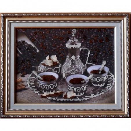 """Картина вишита бісером """"За чашкою кави"""". 24,5х30см"""