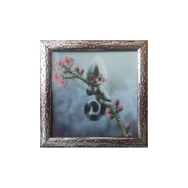 Картина вышитая  бисером  Обезьянка