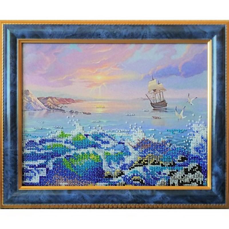 """Картина ручной работы вышитая  бисером  """"Морской Бриз"""". Картина оформлена в раму"""
