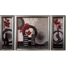Картина вышитая  бисером красные цветы. Триптих