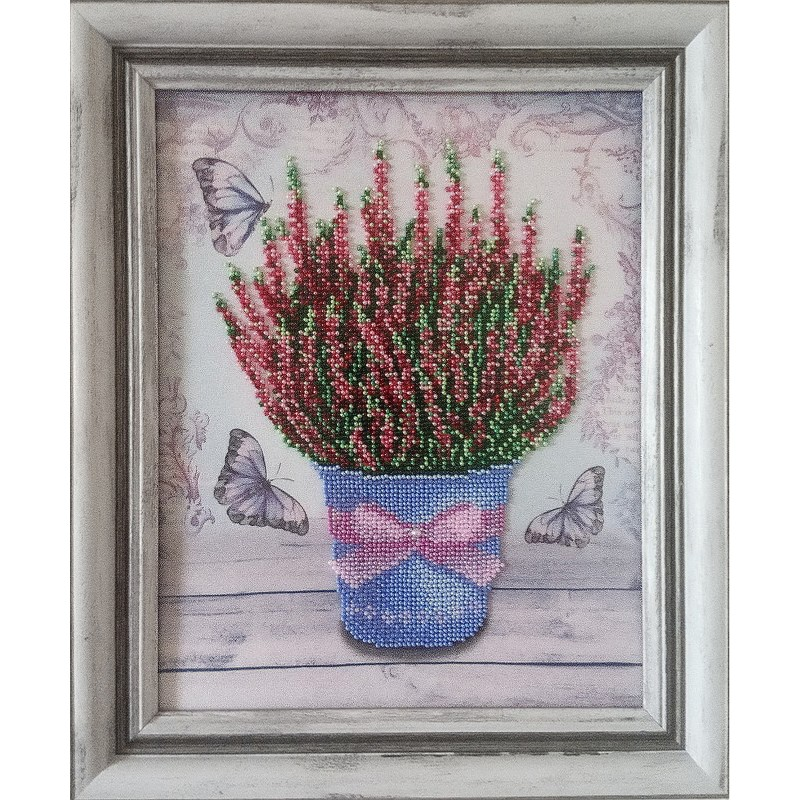 Картина вышитая  бисером цветы в горшке Вереск