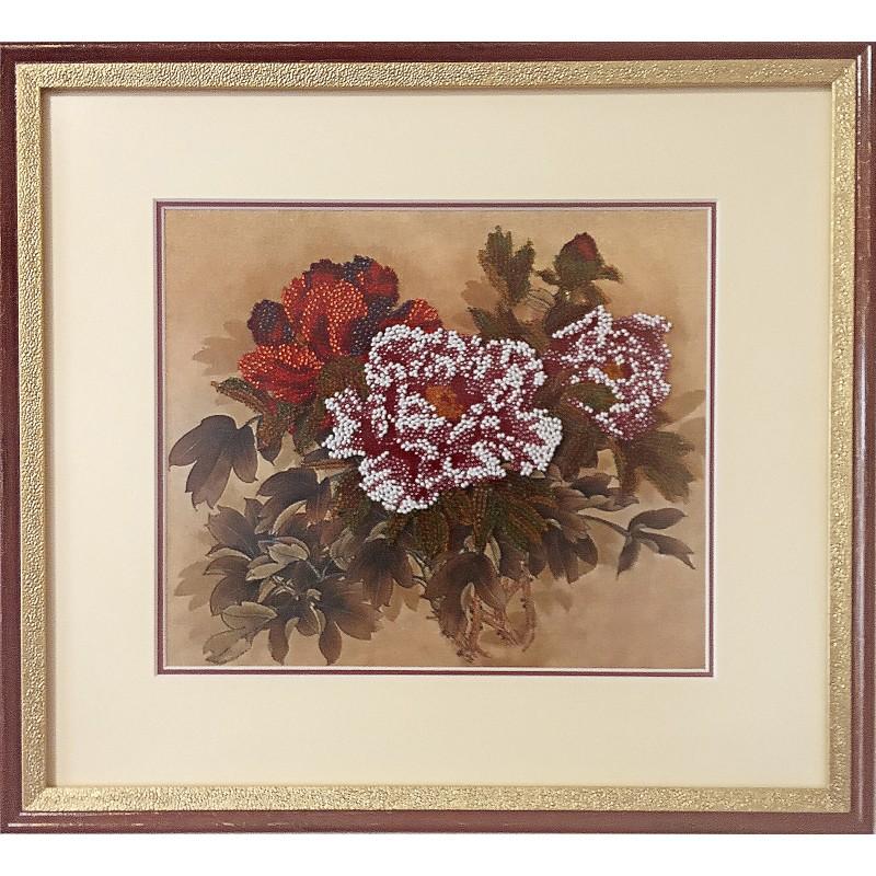 Картина вишита бісером Піони. 35x38,5см